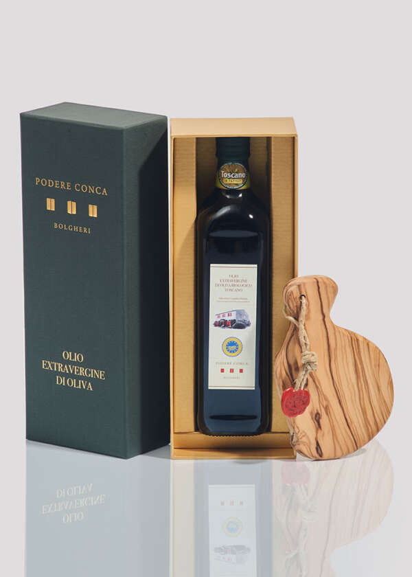 Open gift box, Organic Extra Virgin Olive Oil and cutting board